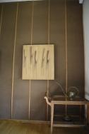 Moleskin på väggarna ger behaglig akustik i matrummet.