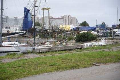 Båtklubben intill själva gästhamnen.