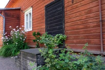 Ett av gårdshusen till familjen Runebergs vackra hus.